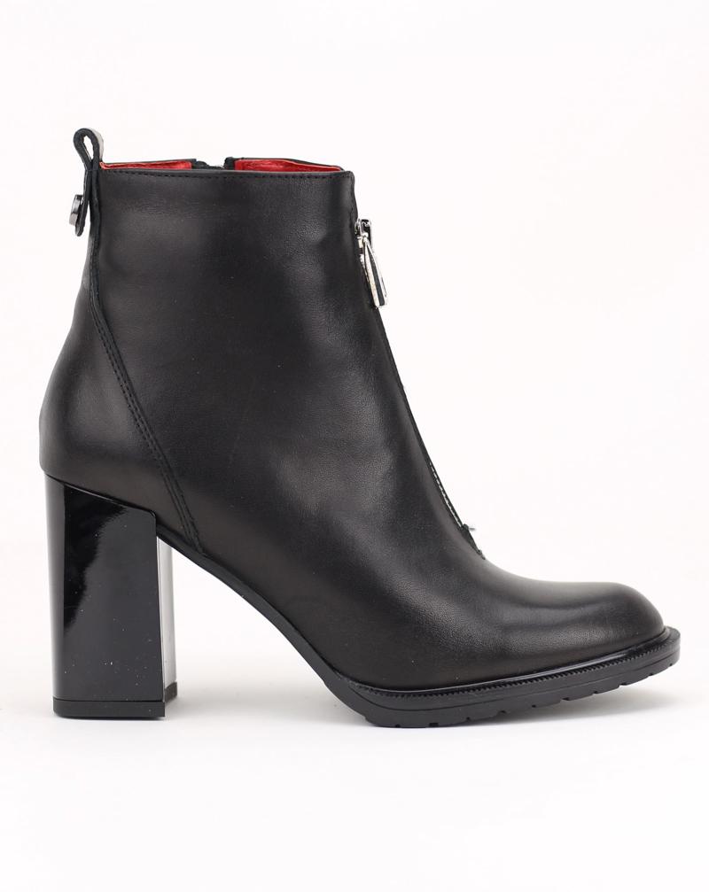2768-076  Ботинки Karino